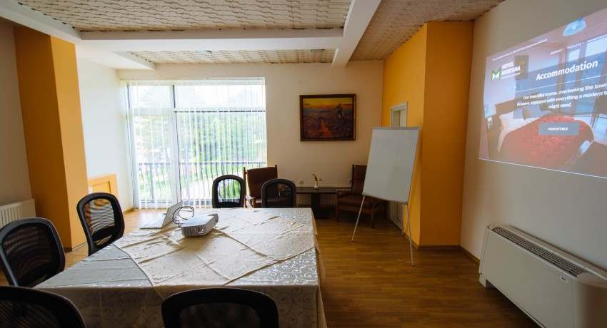 Small Office in Hotel Montana